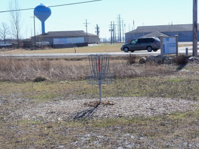 Fowlerville United Brethren DGC, Main course, Hole 2 Putt