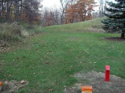 McCurdy Park, Main course, Hole 9 Tee pad