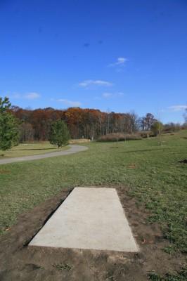 Mary Beth Doyle Park, Main course, Hole 2 Tee pad