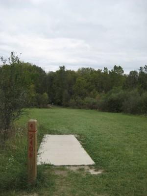 Mary Beth Doyle Park, Main course, Hole 4 Short tee pad