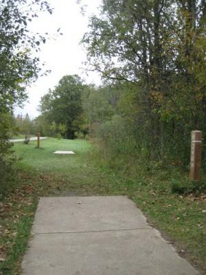 Mary Beth Doyle Park, Main course, Hole 8 Long tee pad