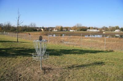 Mary Beth Doyle Park, Main course, Hole 1 Putt
