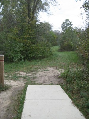 Mary Beth Doyle Park, Main course, Hole 16 Short tee pad
