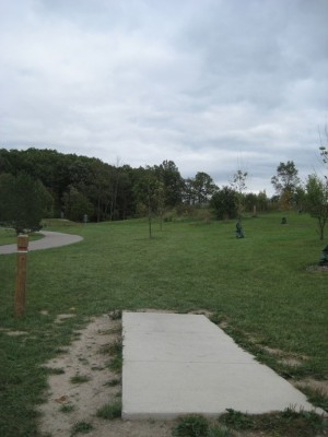 Mary Beth Doyle Park, Main course, Hole 2 Tee pad
