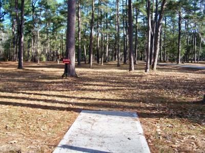 Joshua W. Franklin DGC, Main course, Hole 4 Tee pad
