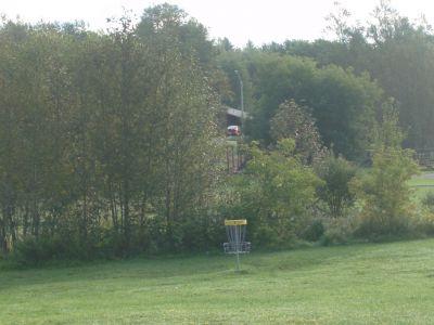 Lions Club of Sudbury DGC, Main course, Hole 7 Short approach