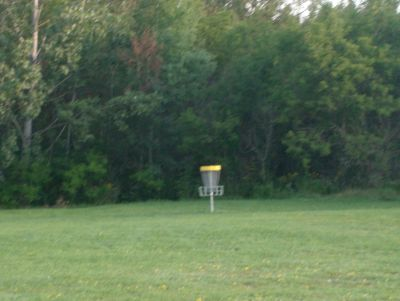 Lions Club of Sudbury DGC, Main course, Hole 4 Short approach