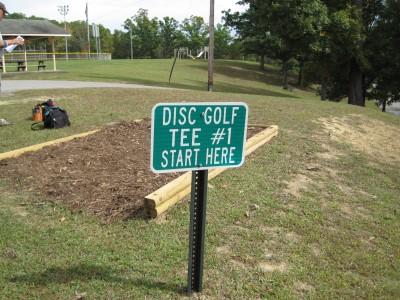 Little Creek Park, Main course, Hole 1 Hole sign