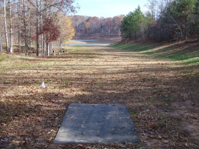 Flyboy Aviation, Main course, Hole 3 Tee pad