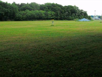 Gateway Park, West (The Privy), Hole 6 Short approach
