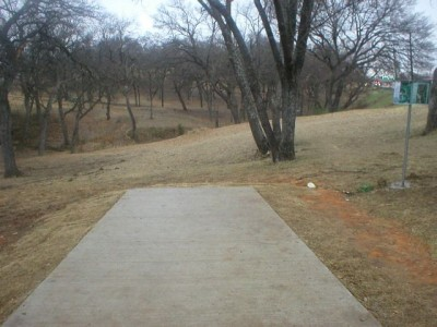 Turner Park, Main course, Hole 13 Tee pad