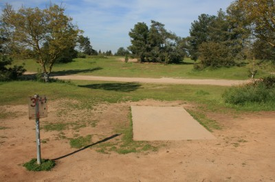 Woodward Legacy DGC, Main course, Hole 3 Short tee pad