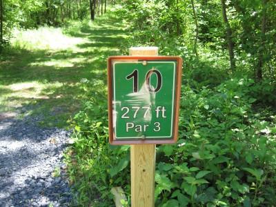 Poor House Farm, Main course, Hole 10 Hole sign