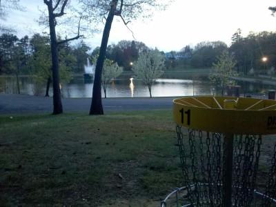 Central Park Schenectady, Main course, Hole 11 Putt