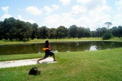 Pine Oaks, Main course, Hole 3 Short tee pad