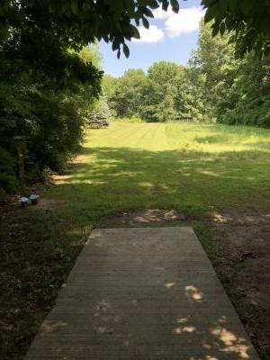 BlueGill Disc Golf Course, Main course, Hole 21 Long tee pad
