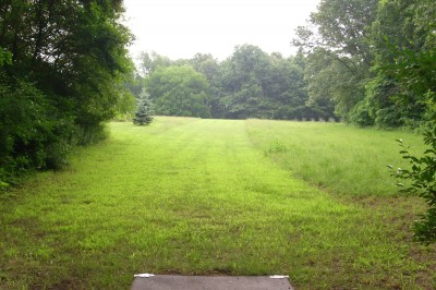 BlueGill Disc Golf Course, Main course, Hole 18 Tee pad