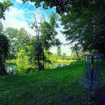 BlueGill Disc Golf Course, Main course, Hole 10