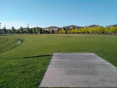Red Ridge Park, Red Ridge, Hole 1 Tee pad