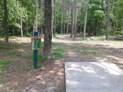 Creekside Park, Creekside Park Disc golf, Hole 1 Long tee pad