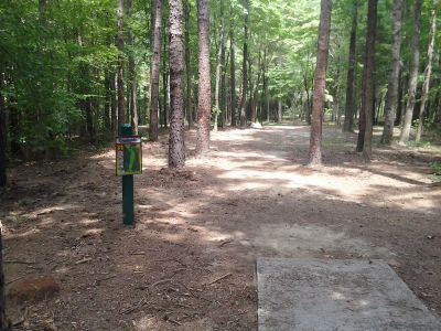 Creekside Park, Creekside Park Disc golf, Hole 2 Long tee pad