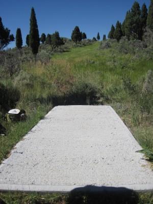 Art Kelly Park, Soda Springs DGC, Hole 17 Long tee pad