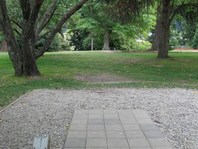 Queenstown Gardens, Main course, Hole 1 Tee pad