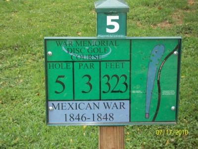 War Memorial Park, Main course, Hole 5 Hole sign