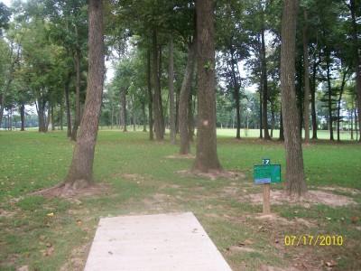 War Memorial Park, Main course, Hole 7 Tee pad