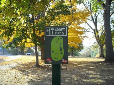 Wabash City Park, Main course, Hole 17 Tee pad