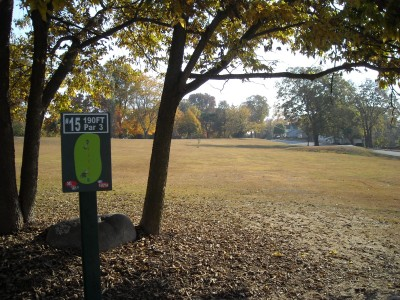 Wabash City Park, Main course, Hole 15 Tee pad