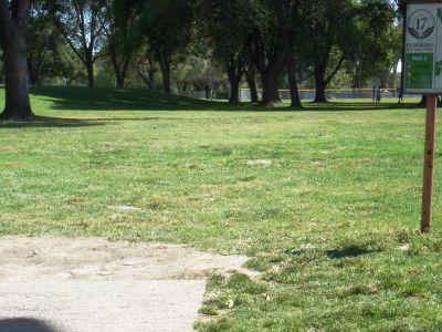 El Dorado Park, Main course, Hole 17 Tee pad