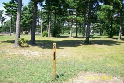 Mullally Park, Main course, Hole 9 Tee pad