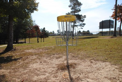 Aggieland DGC, Main course, Hole 1 Reverse (back up the fairway)