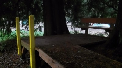 Twin Cedars DGC, Main course, Hole 6 Tee pad