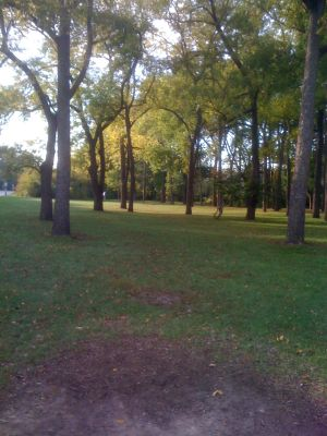 Estabrook Park, Main course, Hole 6 Tee pad