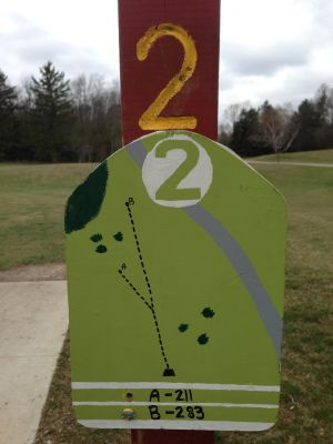 Fox River County Park, Grey Fox, Hole 2 Tee pad