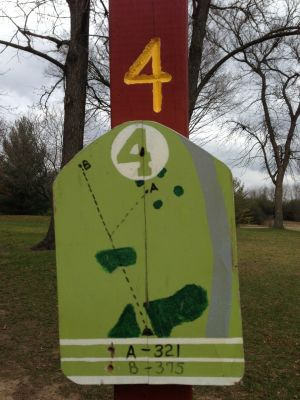 Fox River County Park, Grey Fox, Hole 4 Tee pad