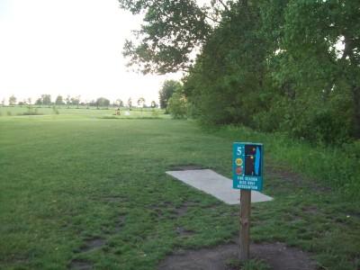 Fay Clark Park, Main course, Hole 5 Tee pad