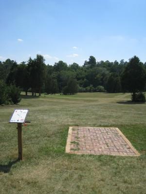 Falling Creek Park, Main course, Hole 1 Tee pad