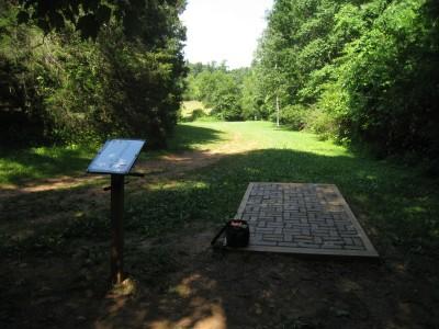 Falling Creek Park, Main course, Hole 9 Tee pad