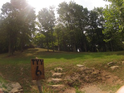The Timberdoodle Thicket, Main course, Hole 6 Tee pad