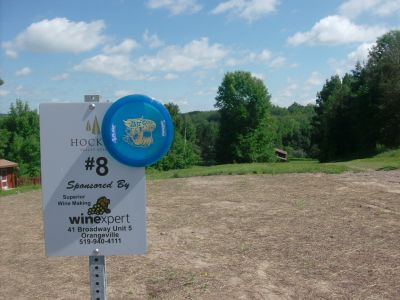 Hockley Valley Resort, Main course, Hole 8 Hole sign