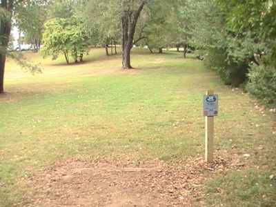 Wingfoot Lake State Park, Main course, Hole 16 Tee pad