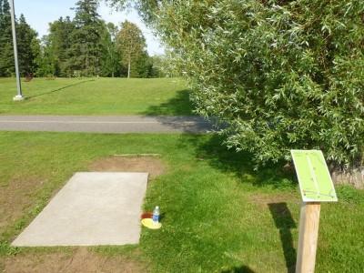 Birch Point Park, Main course, Hole 2 Tee pad