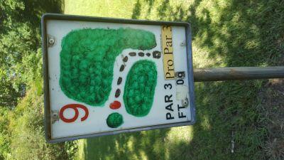Flanacher Park, Main course, Hole 9 Hole sign
