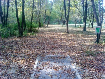 Two Mile Run Park, Main course, Hole 3 Long tee pad