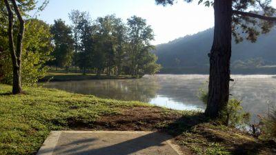 Roane County Park, Main course, Hole 1 Tee pad