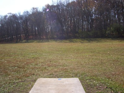 Fairborn Community Park, Handyman Ace Hardware DGC, Hole 1 Long tee pad