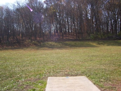 Fairborn Community Park, Handyman Ace Hardware DGC, Hole 1 Short tee pad